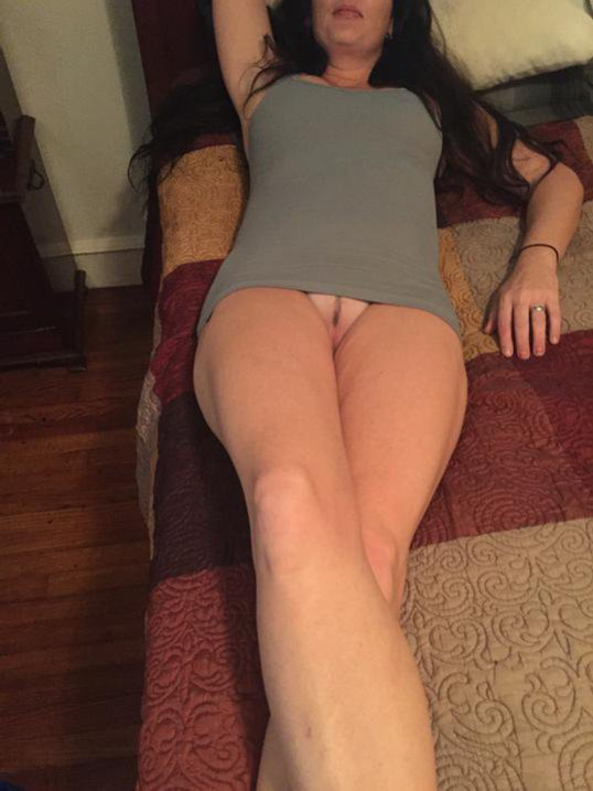 upskirt no panties Amateur