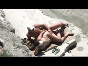 Amateur Couple Caught Banging on the Beach