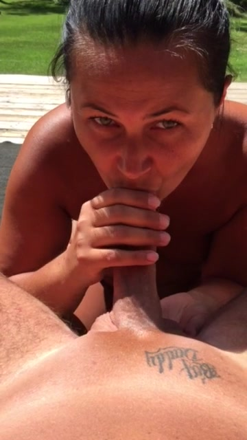 Oral sex outdoor